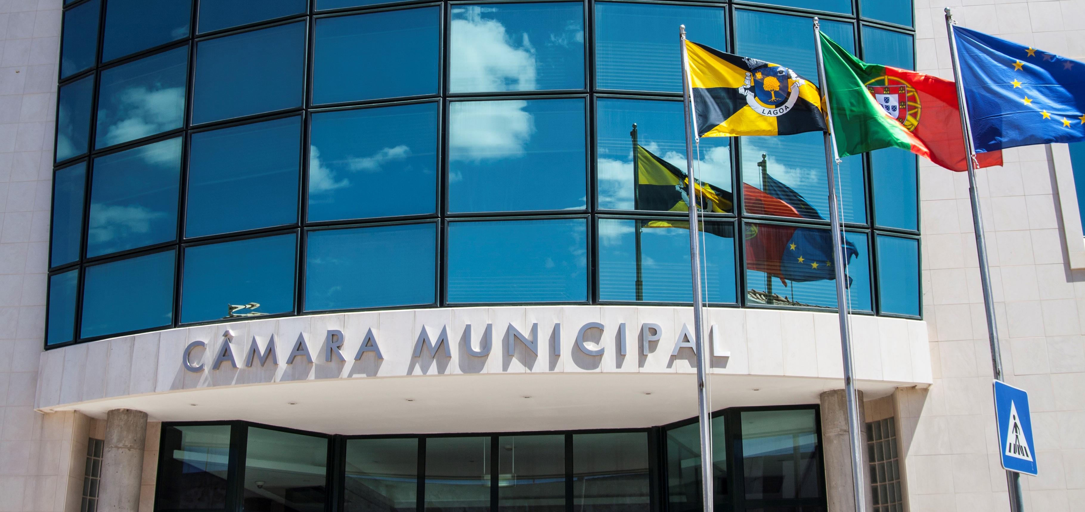 Lagoa aprova contas de 2019 e revisão orçamental de 2020 – Algarve ...
